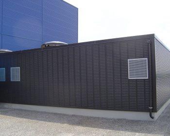 Sound-resistant building for 8 vacuum pumps