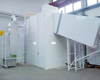 Soundproof cabin for plastic residue mill granulator