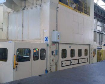 Sound enclosure on 2 column 1000 tn hydraulic press